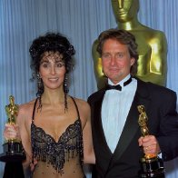Oscar-1988. Cher and Michael Douglas