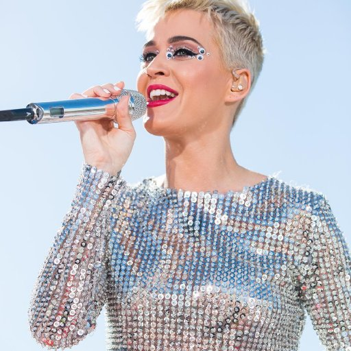 katy-perry-2017-witness-tour-04